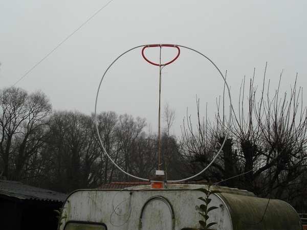 ON6WJ's home made Magnetic Loop Antenna, click to enlarge picture.
